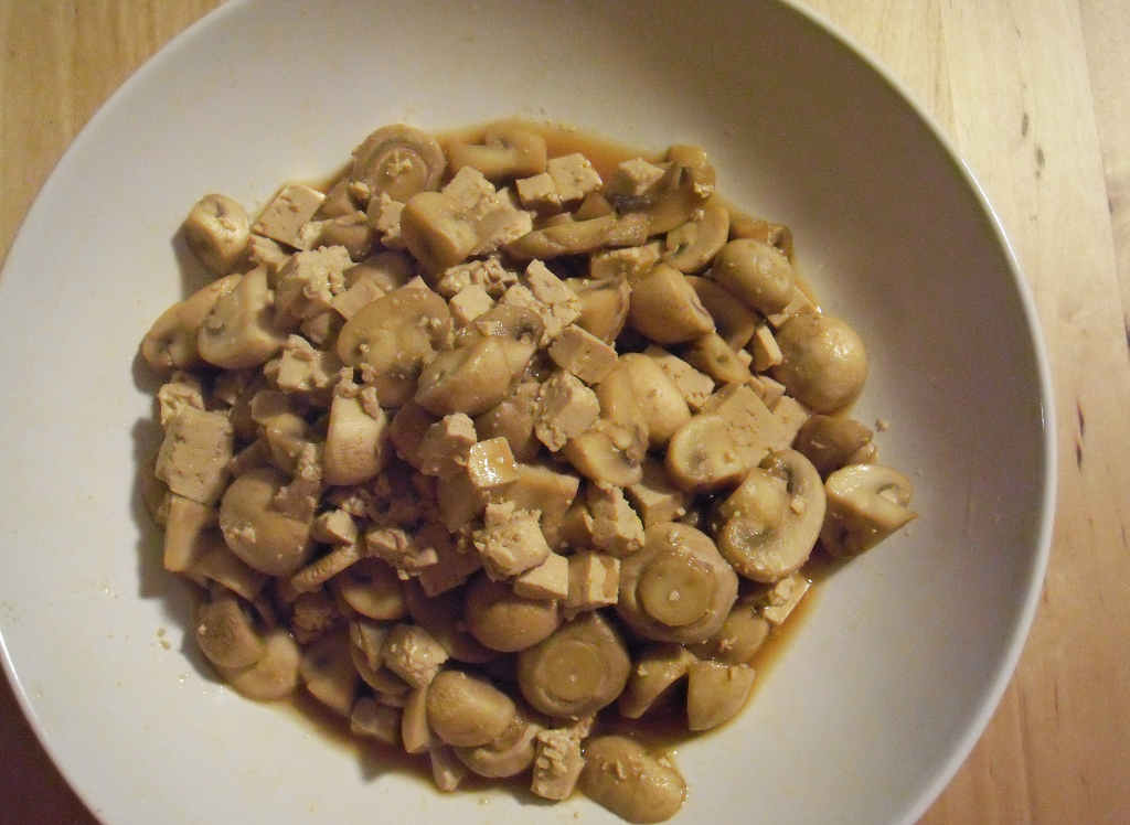 Champignon-Tofu-Pfanne. Low-Carb, Low-Fat, Vegan
