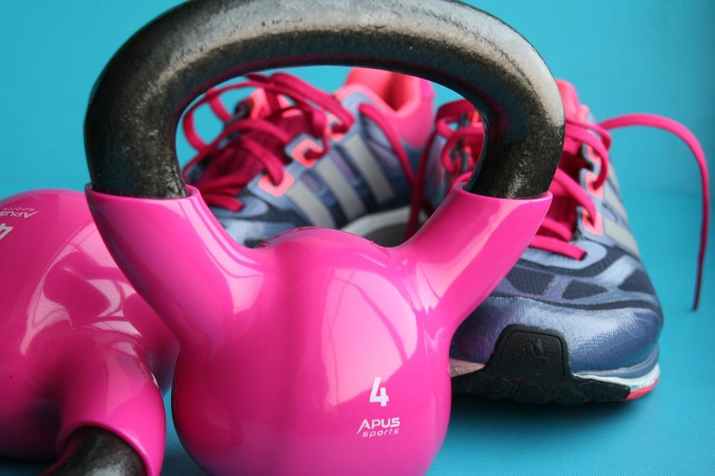 Kettlebell pink, Sportschuhe
